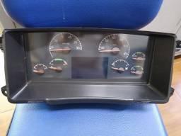 Painel de instrumentos do caminhão Volvo FH/NH