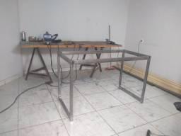 Estruturas metálicas de móveis