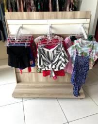 Expositor de roupas  MDF 250,00