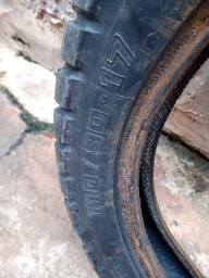 Vendo um pneu meia vida da moto bros