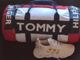 Bolsa Modelo Transversal Tommy Hilfinger  grande para viagens academia dia dia
