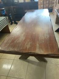 Título do anúncio: Vendo mesa de madeira maciça