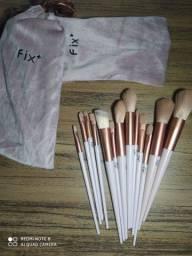 Título do anúncio: Kit com 13 pincéis de maquiagem