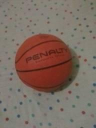 Bola de basquete Penalty 70 reais!! :) Leia a descrição!!