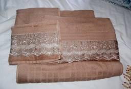 Título do anúncio: Jogo de toalhas bordadas algodão egípcio - 5 peças