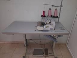Maquina de costura Overloque Singer 321C-131M-04 127V Semi-Nova