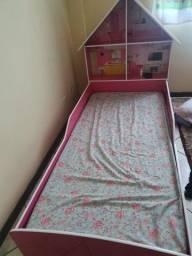 Título do anúncio: Vendo cama infantil pouco usada sem colchão