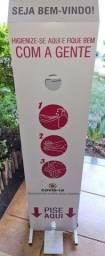 Totem Dispenser com Pedal De Álcool Gel Personalizado 1,50m