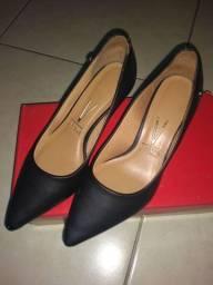 Vendo sapato Vizzano 35 semi novo foi usado uma única vez