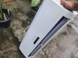 Ar condicionado Electrolux e caixote