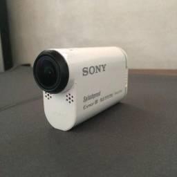 Sony Action Cam (HDR-AS100V) com Live View Remote (RM-LVR1)