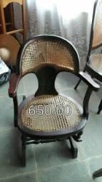 Cadeira de balanço em palha