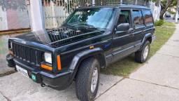 Jeep Cherokee Sport turbo diesel 2.5 L 4x4 tração e redução original - 1999
