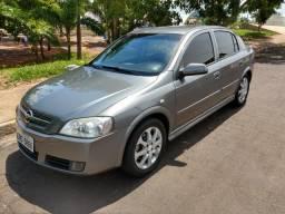 Chevrolet Astra Advantage Hatch 2.0 Flex Completo - 2011 - 2011