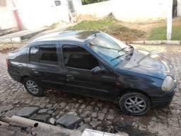 Clio sedã super conservado - 2001