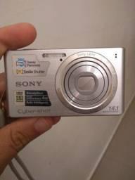 Câmera Sony 14.1 Mega Pixels