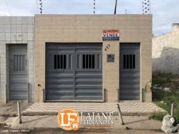 Casa à Venda com 02 Quartos no bairro Antônio Vieira