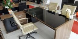 Mesas e cadeiras escritório