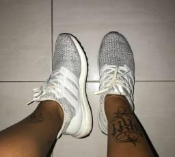 Tênis Adidas Ultraboost 40