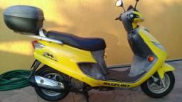 Suzuki burgman 125 amarela