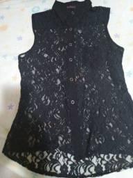 Título do anúncio: Camisa/Blusa NOVA em renda preta - Tamanho 42