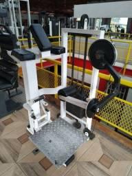 Maquina de Gluteos (equipamento de academia)