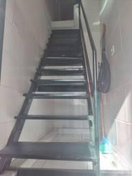 Vendo essa ótima escada