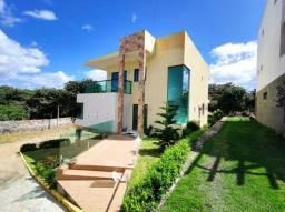 Casa com 5 quartos em Condomínio Ref.__- GM-0204