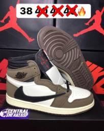 Air Jordan 1 Travis Scott