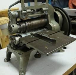 Máquina de Corte Aurora
