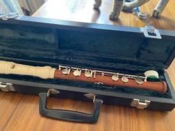 Flauta doce com estrutura metálica