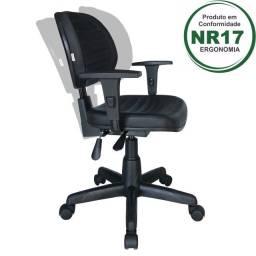 Cadeira executiva back system costurada com braços reguláveis