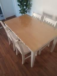 Mesa com vidro removível + 4 cadeiras