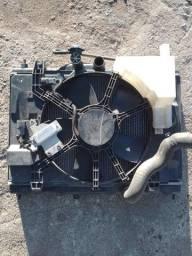 Radiador, condensador e ventoinha Nissan Tiida 1.8 manual