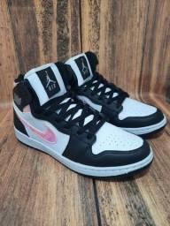 Título do anúncio: Basqueteira Nike Air Jordan MultiColor