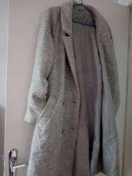Casaco de lã feminino em bom estado