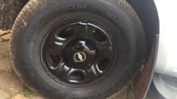 Título do anúncio: Rodas 16 pneus 4 novos