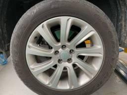 Vendo rodas com pneus 235/60 R18 originais Land Rover