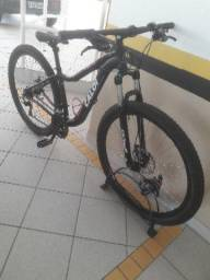 Mountain bike Caloi 21 marchas Aro 29