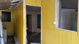 Aluga-se casa em Ataíde, Vila-Velha - (27)99637 4450