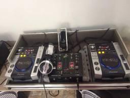 Equipamento de som para DJ's