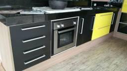 Cozinha planejada completa com tamponamento de 25MM
