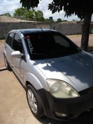 Carro fiesta hatch - 2005