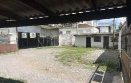 Estacionamento, casa e terrenos Centro 622 m2 Caxias do Sul