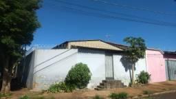 Alugo casa em jardinópolis