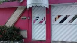 Quarto para moça em Vila da Penha