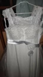 Lindo vestido para noiva Longo, pedrarias no busto. (Passo cartão débito/crédito)