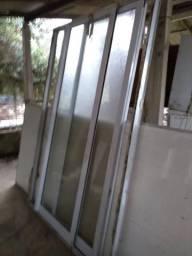 Portão balcão alumínio