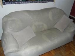 Ótimo sofá 3 lugares 2,10m muito confortavel o de melhor custo beneficio centro de Poa-rs