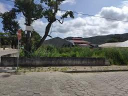 Praia de Bombas/Bombinas SC - Ótimo terreno de esquina com 272 m2 - Oportunidade!